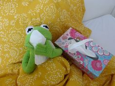 wallpapers kermit & wallpapers kermit ` wallpapers kermit the frog ` kermit aesthetic wallpapers ` wallpaper kermit wallpapers ` cute wallpapers kermit ` funny wallpapers kermit ` kermit wallpapers iphone ` cute wallpapers aesthetic kermit Sapo Kermit, Memes Lindos, Heart Meme, Kermit The Frog, Wholesome Memes, Reaction Pictures, Mood, Frogs, Reading Books