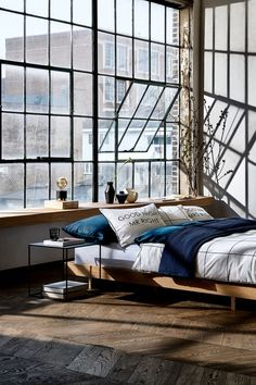 Modern Bedroom Ideas - Trying to find the most effective bedroom decor ideas? Utilize these beautiful modern bedroom ideas as inspiration for your very own incredible designing plan . Loft Apartment Decorating, Dream Apartment, Industrial Bedroom, Industrial House, Industrial Loft Apartment, Warehouse Apartment, Warehouse Home, Urban Industrial, Modern Loft Apartment