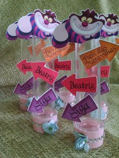 Tubete Alice no País das Maravilhas Mad Hatter Party, Mad Hatter Tea, Alice In Wonderland Tea Party, Baby Shower Parties, First Birthdays, Party Favors, Birthday Parties, Silhouette, Gift