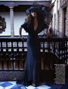 Next time I'm a witch for Halloween, it's gonna be this dress. <3