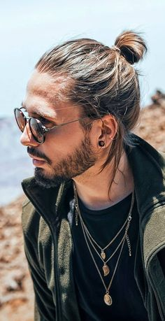 Mens Ponytail Hairstyles, Cool Hairstyles For Men, Haircuts For Men, Men's Hairstyles, Hair And Beard Styles, Short Hair Styles, Man Bun Haircut, High Ponytails, Face Shapes