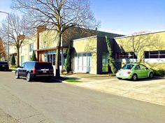 FOR LEASE: 1935 SE POWELL BLVD. PDX.  Great turn-key creative space inside an industrial style building.  Good exposure to pedestrian, bike and automobile traffic and only a few blocks from New Seasons and many local business, café and restaurants.  Located close-in SE with easy access to east and west Portland Metro area.