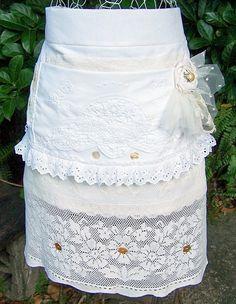 vintage linen half apron... I have to do one''