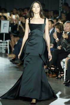 Runway #style review: Zac Posen marries classicism and modernist aesthetic