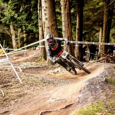 Can't wait for the next race this weekend! #downhill #dh #race #racing #love #riding #bikes #specialized #specializedbikes #demo8 #troyleedesigns #tld #fod #woods #offroad #me #boy #fiveten #fox #maxxis #dusty #dry #tint by dean_collister