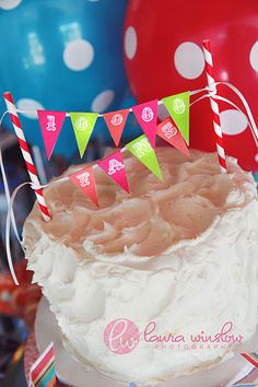 {DIY Party Projects} Mini Cake Bunting Tutorial & Free Printable Alphabet Pages!   The TomKat Studio