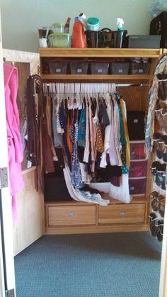 How to Organize Your College Dorm Closet
