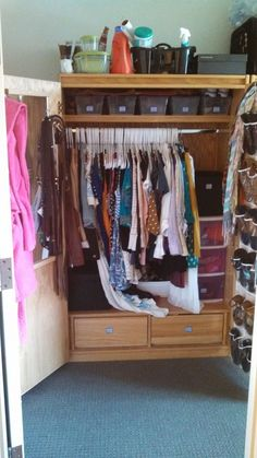 My Life as Meryl   How to Organize Your College Dorm Closet #closet #organize #clean #dorm #college #room #storage
