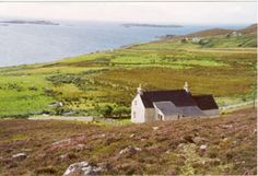 Caberfeidh is an outstanding cottage with an outlook over the sea to the Summer Isles. Set in an elevated and peaceful position in Polbain, Achiltibuie, Wester Ross, Scotland.