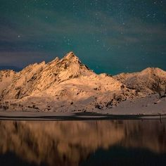 """Hello from @hemmingodden The local mountain """"Skottind"""" in a heaven full of stars and the beautiful Northern Lights!  : @eirin_egghjem"""