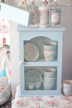 "GreenGate. I wish they would ship ""over the pond"". These would be right at home in my kitchen!"