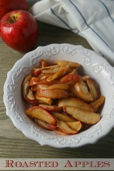 Looking for the perfect side dish to accompany your favorite pork, ham or chicken recipe? This easy Roasted Apples recipe will be a family favorite! Apple Recipes, Pork Recipes, New Recipes, Chicken Recipes, Favorite Recipes, Healthy Recipes, Cheap Recipes, Apple Snacks, Healthy Options