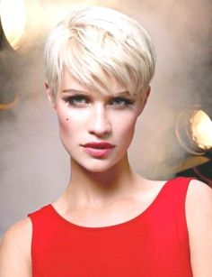 Smoky Lavender Undercut - 50 Women's Undercut Hairstyles to Make a Real Statement - The Trending Hairstyle Pixie Haircut Styles, Haircut Styles For Women, Short Pixie Haircuts, Cute Hairstyles For Short Hair, Short Hair Cuts For Women, Pixie Hairstyles, Curly Hair Styles, School Hairstyles, Everyday Hairstyles