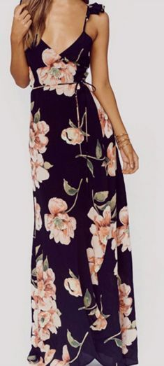 This floral full length dress is giving us the romantic and vintage feels. A flo. Mode Outfits, Dress Outfits, Maxi Dresses, Wedding Dresses, Wedding Shoes, Floral Dresses, Bohemian Dresses, Dress Prom, Long Dresses