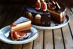 "Tort ""Trio de ciocolată"" - rețetă video. Tort cu trei tipuri de ciocolate, rețetă video. Cum să faci un tort de ciocolată, video pas cu pas. Tort de ciocolată... Something Sweet, Cheesecake, Food And Drink, Sweets, Baking, Desserts, Food, Tailgate Desserts, Deserts"