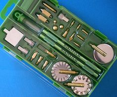 Makin's Professional Clay Tool Kit by Makin's USA, http://www.amazon.com/gp/product/B0026HR1FC/ref=cm_sw_r_pi_alp_2mlUpb1E506ZZ