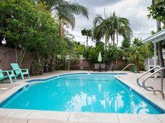 Resort feeling swimming pool and backyard - Anaheim house rental