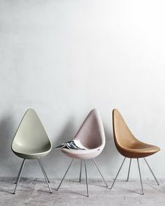 Actually this is old news - the Drop chair was designed by Arne Jacobsen in 1958. But it has never been produced... Until now #dråben #ArneJacobsen #drop