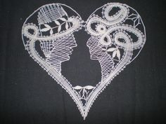 Klöppelbild als Hochtzeitsgeschenk Bobbin Lace Patterns, Lace Heart, Lace Jewelry, Lace Making, Happy Valentines Day, Lace Detail, Machine Embroidery, How To Make, Bobbin Lace