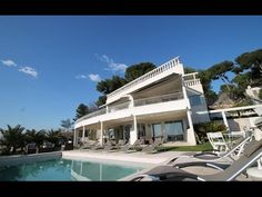 HSUD049 - Holiday villa Cannes: In Cannes, in the calm residential area of Californie, 3 km from the Croisette, beautiful villa facing South, situated on a plot of 1900m². Magnificent sea view 180° over the bay of Cannes and the islands of Lérins. Private infinity pool (10m x 5m, Depth 80/180 - Alarm). Terrace/garden with garden furniture and sun loungers, pergola, BBQ. 6 parking places.   http://www.homesud.fr/location-vacances-villa-CANNES-fiche-0049-3.html