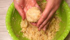 A káposztát vágd hosszú csíkokra, formálj golyókat belőle és süsd ki! El is készült a fasírt! - Bidista.com - A TippLista! Falafel, Guacamole, Grains, Rice, Ethnic Recipes, Food, Mariana, Essen, Falafels