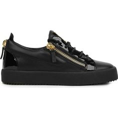Giuseppe Zanotti Bucks leather low-top trainers ($530) ❤ liked on Polyvore featuring shoes, sneakers, black leather sneakers, black trainers, synthetic leather shoes, zip sneakers and leather upper shoes