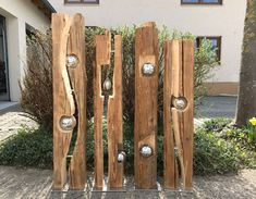 42 awesome diy garden art design ideas for your yard landscaping 4 Garden Crafts, Garden Projects, Wood Projects, Yard Art, Outdoor Art, Outdoor Decor, Yard Sculptures, Wood Creations, Wooden Garden