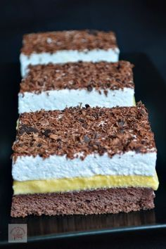 Dessert Cake Recipes, Sweets Recipes, Homemade Sweets, Square Cakes, Sweet Cookies, Pastry Cake, Banana Bread Recipes, Savoury Cake, Ice Cream Recipes