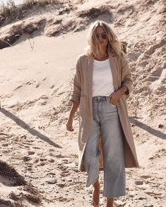 Cardigan and wide jeans Looks Street Style, Looks Style, Style Me, Mode Outfits, Casual Outfits, Fashion Outfits, Womens Fashion, Jeans Fashion, Spring Summer Fashion
