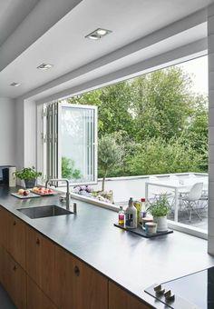 Kochen mit Genuss: Moderne Küche Fenster Ideen - Cooking with Enjoyment: Modern Kitchen Window Ideas - Home Decor Kitchen, New Kitchen, Home Kitchens, Decorating Kitchen, Patio Kitchen, Awesome Kitchen, Kitchen Modern, Indoor Outdoor Kitchen, Decorating Ideas