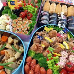運動会のお弁当を美しく詰めるために参考になる、センスの良いお弁当を厳選。見た目だけでなく、主食、蛋白質、野菜のバランスもばっちり。これからお目にかかるものも随時載せていこうと思います。 Breakfast Platter, Bento Recipes, Cute Kitchen, Picnic Foods, Korean Food, Food Menu, Japanese Food, Asian Recipes, Love Food