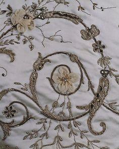1900–1905 House of Worth Ball Gown, silk, cotton, metallic thread, glass, metal. Met 1979.251.4a, b.