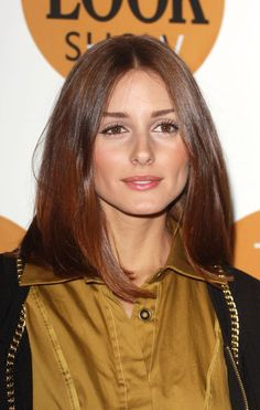 Here is Olivia's hair again in another lighting, longer at the front, blunt, subtle ombré LOVE