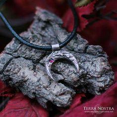 Bronze moon crescent Earth Mama, Fairy Princesses, Bronze, Moon, Jewelry, Fashion, The Moon, Moda, Jewlery