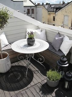 kleiner-Balkon-Ideen-a - s.p - - kleiner-Balkon-Ideen-a - s. Apartment Balcony Decorating, Apartment Balconies, Cozy Apartment, Apartment Patios, Apartment Plants, Apartment Therapy, Small Balcony Design, Small Patio, Tiny Balcony