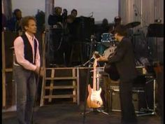 Simon And Garfunkel- Mrs Robinson [ live Central Park New York City Sept. Simon Garfunkel, 60s Music, Folk Music, Sound Of Music, Kinds Of Music, Soundtrack, Musica Pop, All About Music, Greatest Songs