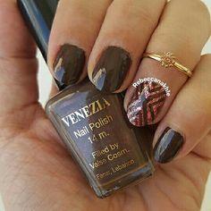 هذه #أظافر اليوم  Brown Stripes Nails using Vanezia #61