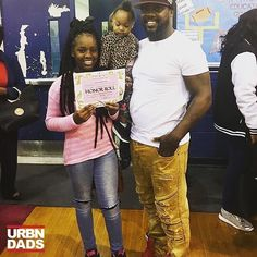 Proud father moment... east Columbus magnet academy walk of fame.. my daughter made honor roll.. #columbus #kontroversi #prouddad #progressnotperfection #honorrollstudent #fatherdaughter @mr.kontroversi #fatherhood #parenting #family #dads #dads #blackfathers #blackdads #urbndads #blavity #blackfathersmatter #blacklove #melanin #dads #family #love #like #follow  #support #fathers #parents #blackfather #blackdad #blackfamily #parenthood