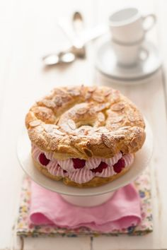 Bakes for Sunday lunch family dessert recipe for Paris-Brest French Desserts, Köstliche Desserts, Delicious Desserts, Dessert Recipes, Yummy Food, Healthy Food, Pastry Recipes, Cooking Recipes, Kitchen Recipes