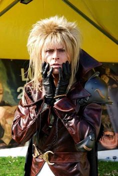David Bowie's doppelganger doing a perfect Jareth the Goblin King | 20 Cosplays So Awesome It Makes You Wonder Why You Try