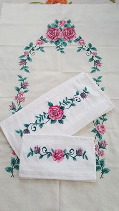 Floral Tie, Cross Stitch, Embroidery, Pink Tablecloth, Dish Towels, Towels, Punto Croce, Tablecloths, Needlepoint