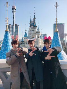 Q Sangyeon Juyeon The Boyz Harry Styles, New Boyz, Changmin The Boyz, Photo Recreation, Chang Min, Fandom, You Are Cute, Love U So Much, Flower Boys