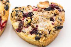 Hovkonditorn: Raspberry-Granola Cakes