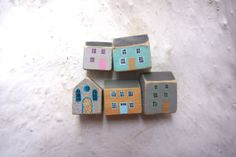 Soft grey and pastel tiny wooden Welsh por ValerianeLeblond