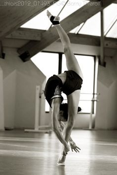 I don't dance but I would love to have the ability to do this!!!