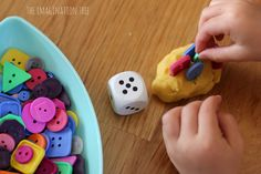 Counting-with-dice-play-dough-and-buttons.jpg 3,318×2,212 pixels
