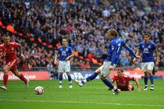Nikica Jelavic scores for Everton FC