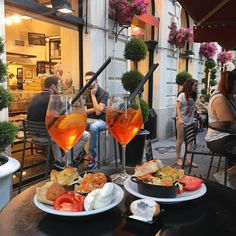 Whet your appetite before dinner with aperitivo in Rome. Indulge in an array of tasty nibbles along with your drink at the best spots in the city.
