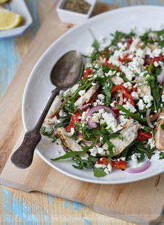 salata sa piletinom i pecenom paprikom
