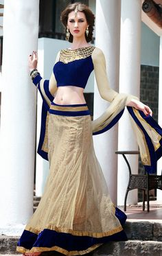 Latest bridal lehenga choli designs 2011 - Bridal 'N' Bridal Lehenga Choli Designs, Indian Dresses, Indian Outfits, Pakistani Dresses, Asian Fashion, Look Fashion, Fashion Tips, Indische Sarees, Moda Outfits
